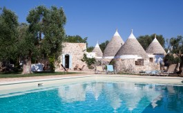 cv095_trulli_with_pool_puglia_trulli_ficodindia_01