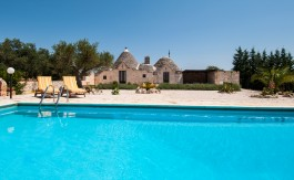 cv024_trulli_with_pool_puglia_trullo_mario_002